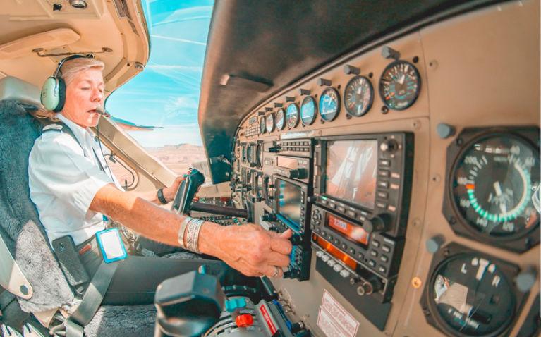 Fly Green women in cockpit